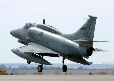 Argentinian A-4AR fighter jet crashes near Cordoba, pilot dead