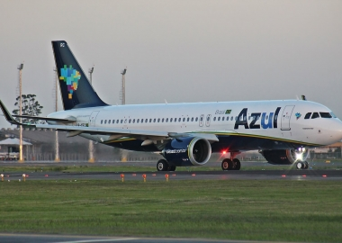Azul reports loss, enters negotiations to postpone deliveries