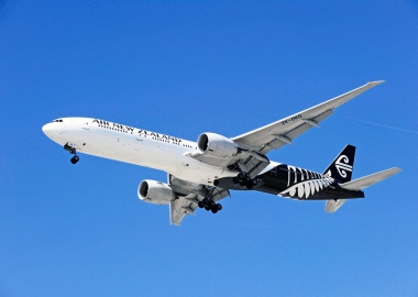 Air New Zealand Boeing 777 landing at Los Angeles International A