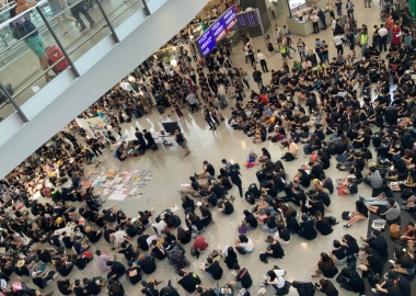 Cathay Pacific warns protesters Cathay City is off limits