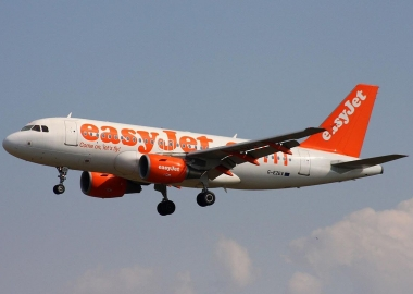 EasyJet admits 50% pay gap between male and female employees