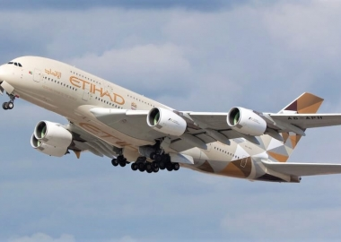 Etihad Airways Airbus A380-861 (A6-APH) taking off on May 13, 201