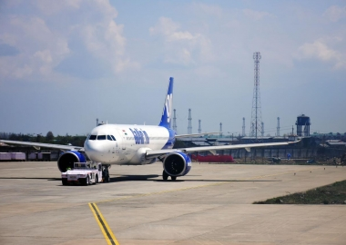 GoAir A320 rolls off runway, takes off again from grass patch