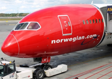 Norway government cuts financial support for Norwegian Air