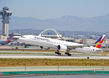 Philippine Airlines Boeing 777 makes emergency landing in LAX