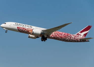 Qantas tests direct flight between London and Sydney