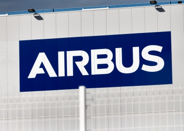 Airbus sinks in the red due to coronavirus crisis