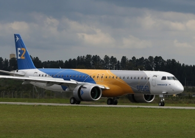 Dubai Airshow: Embraer signs first contracts