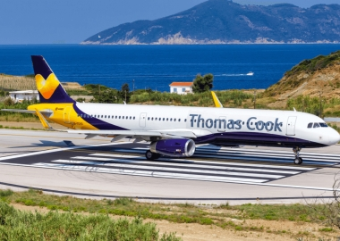Thomas Cook goes bankrupt, 600,000 people stranded