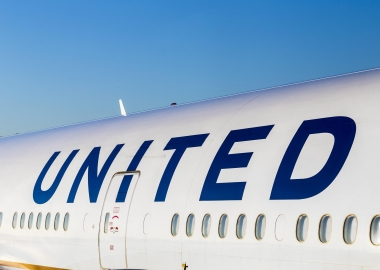 United Airlines logo on aircraft