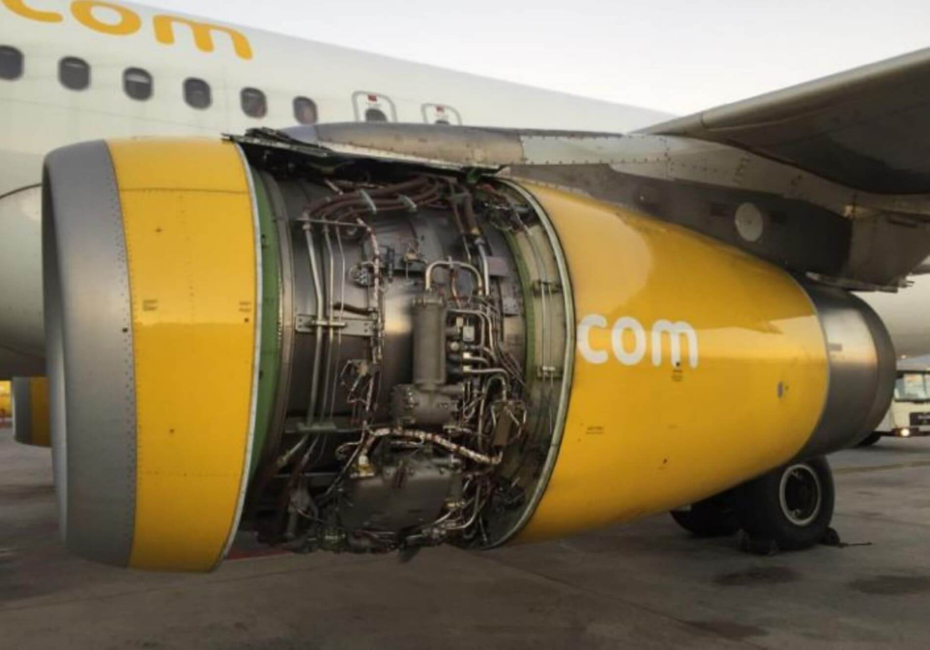 Airbus A320 without engine cowling AeroTime News