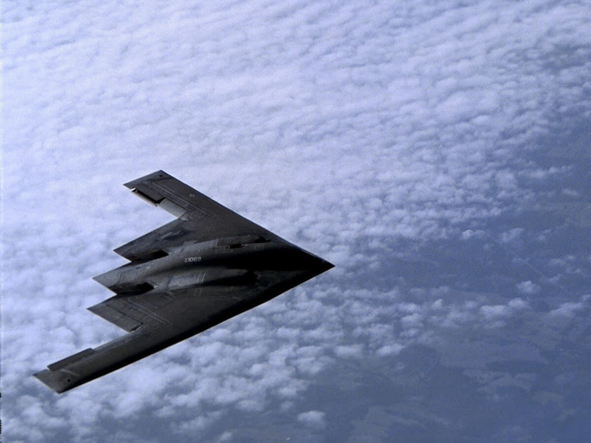 b 2 spirit stealth bomber most expensive plane