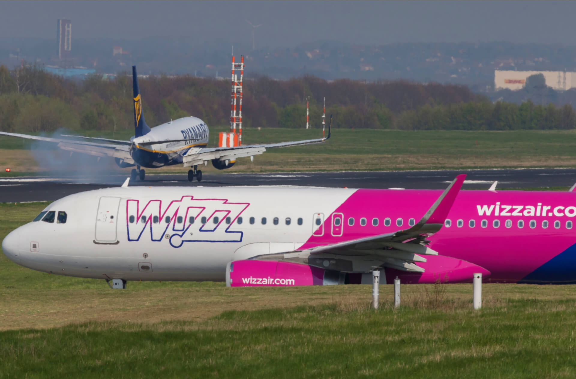 Wizz Air Expands Ryanair Fights Back War In Italy